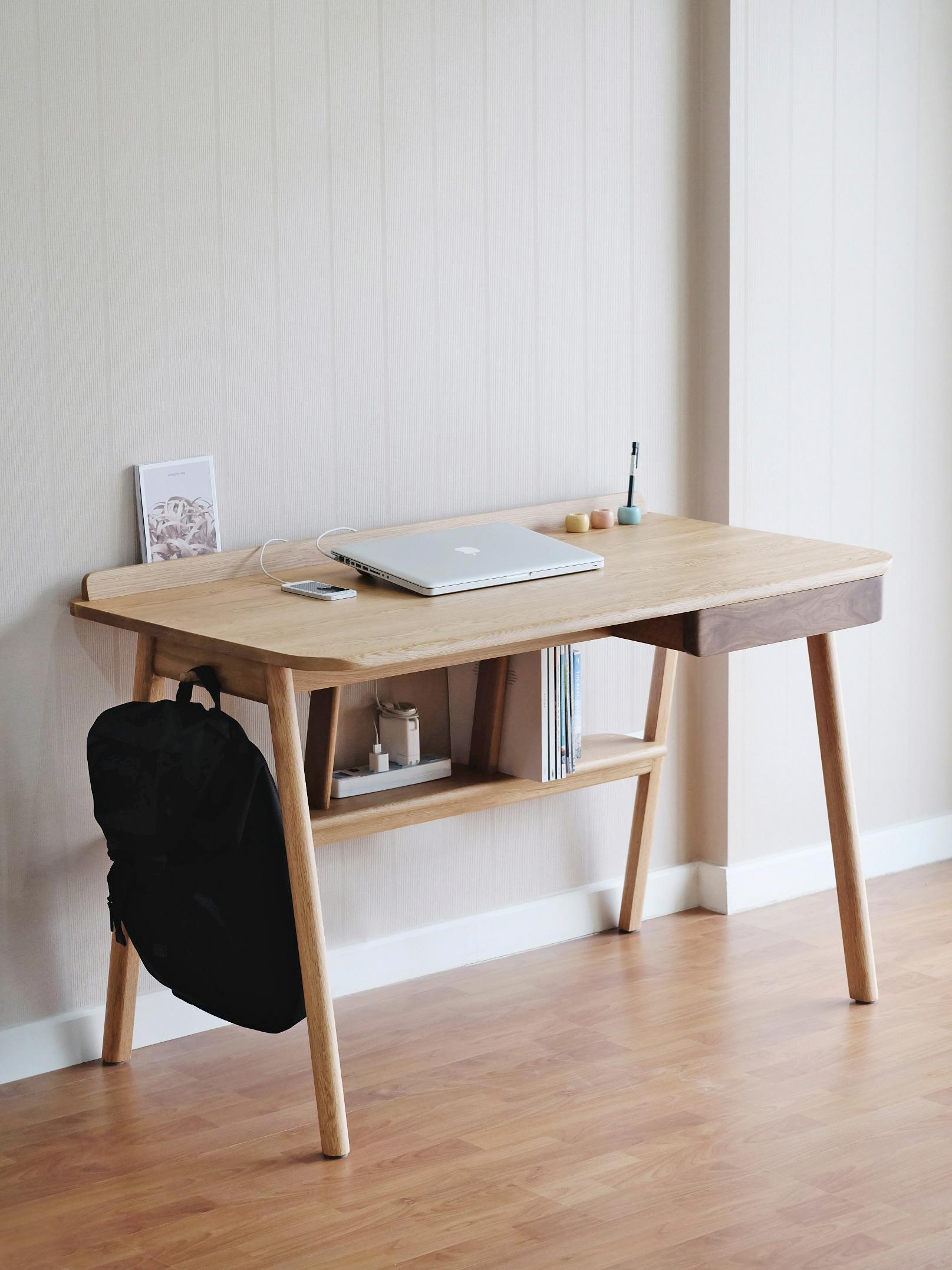 KILTT DESIGN - KITT Desk