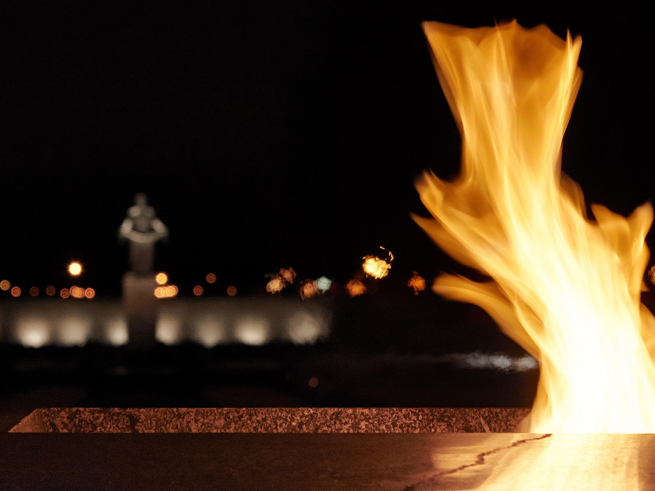 Картинка вечный огонь гиф