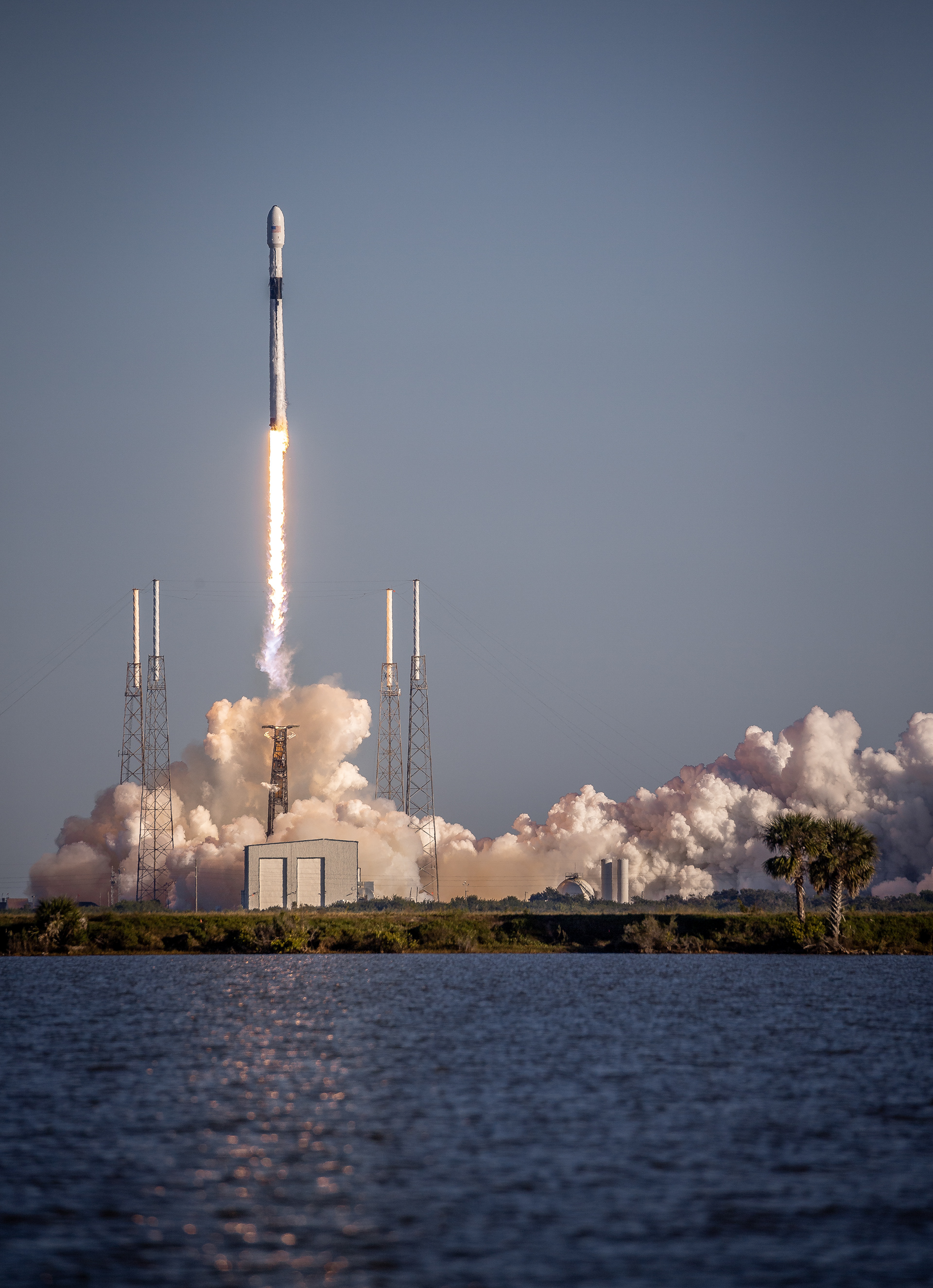 spacex launches rocket - HD1920×2650