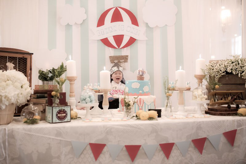 Vintage Hot Air Balloon 1st Birthday Party Venue Private Room Toronto Canada Photography L Foto